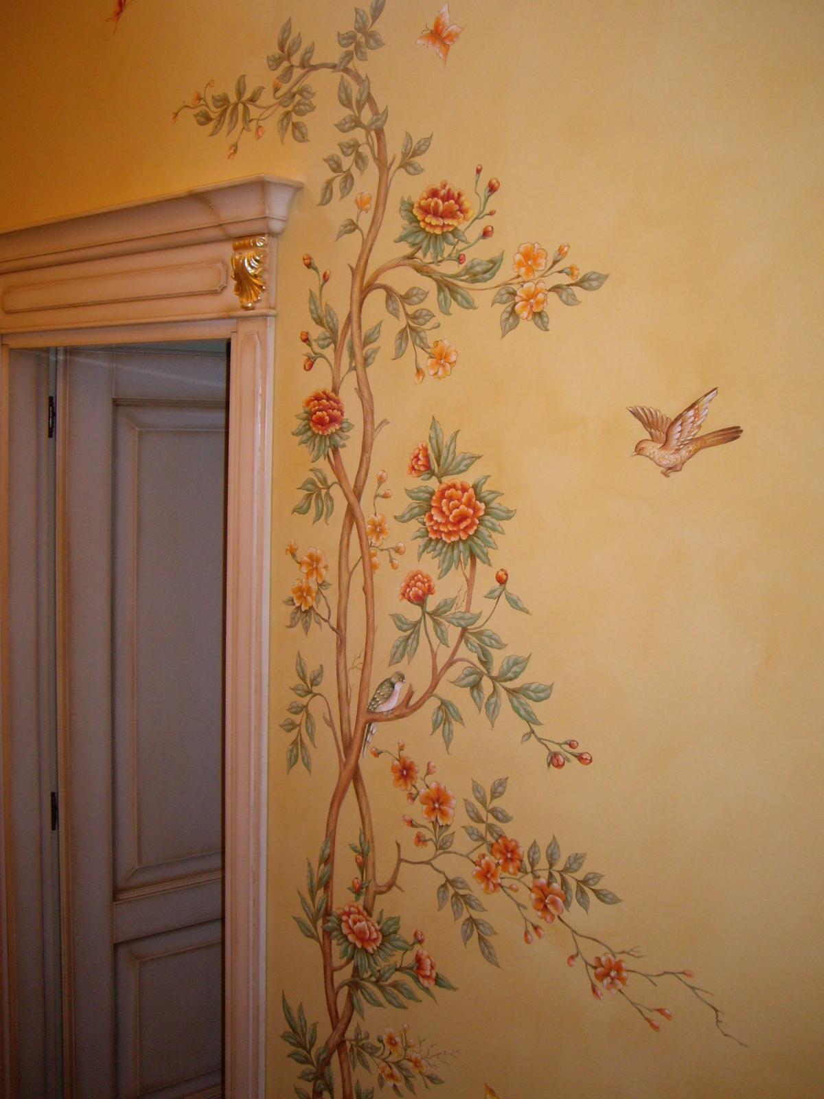 Лепнина цветы на стене фото